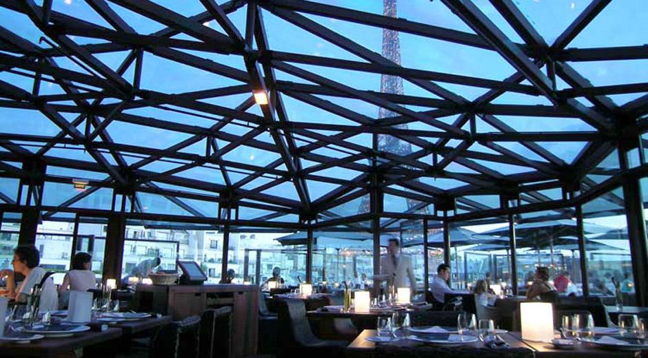 Les ombres restaurant ateliers michael herrman for Miroir paris restaurant