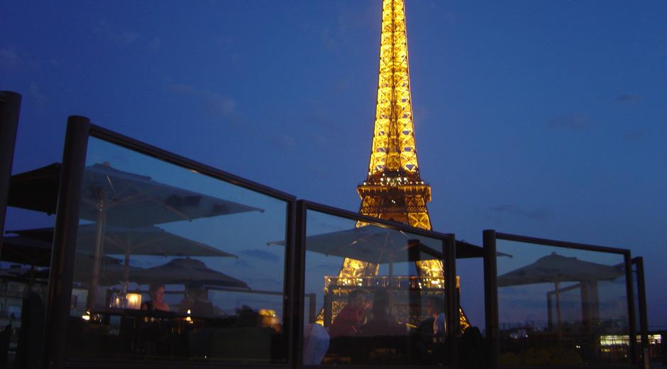 Les ombres restaurant ateliers michael herrman for Le miroir resto paris